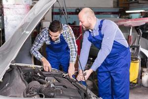mecanica profesional reparacion coche foto