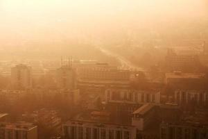 ville dans le smog