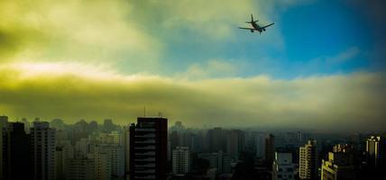 Airplane arriving at Congonhas airport in Sao Paulo/Regional2014