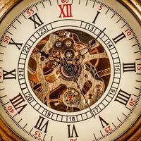 cerrar en reloj vintage