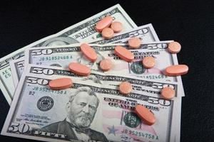 comprar medicamentos por dinero foto