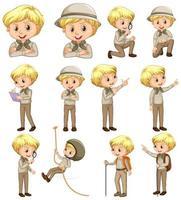 niño en uniforme de explorador en varias poses vector