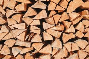 multitud de piezas de madera foto