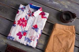 Beautiful shirt with accessories.