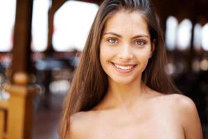 Natural brunette photo