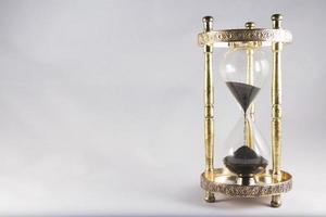 reloj de arena, reloj de arena antiguo, arena negra, medio lleno, ri