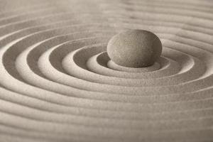 piedra de meditación zen