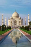Taj Mahal en reflexión foto