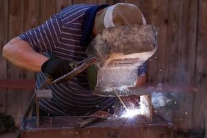welder working photo