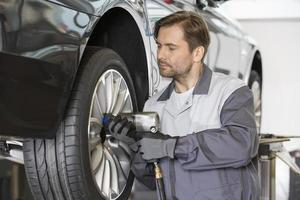 taller de mantenimiento de coche taller