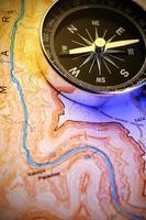bússola no mapa