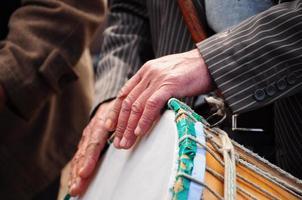 tambor y mano