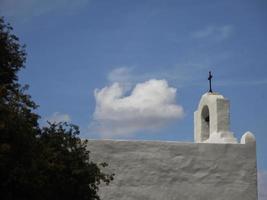 cruz en arco foto