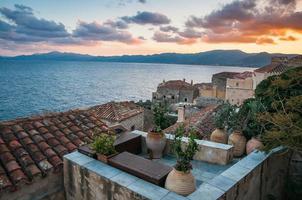 paisagem urbana em monemvasia, peloponeso, grécia
