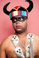 adulto indiano vestido como yamraj o senhor da morte