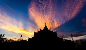 sunset at benjamabopit temple