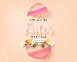 bannière de vente avec des oeufs de Pâques fissurés tenant des fleurs