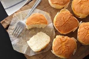 pastel de queso suave miel pasteles dulces postre bodegón closeup foto
