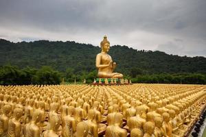 Golden Buddha statues photo
