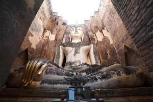 oud Boeddhabeeld. Sukhothai historisch park, Thailand