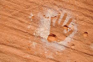 antiguo petroglifo foto