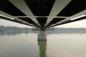 ponte em construção