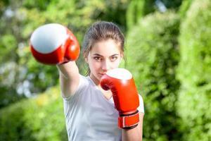joven deportista en el parque foto