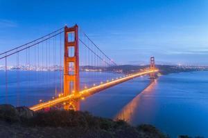 Puente de puerta de oro foto