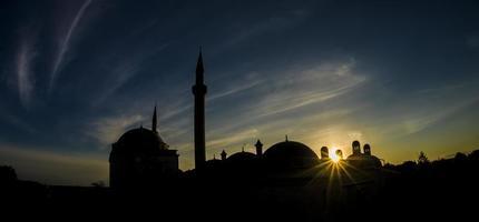puesta de sol en sitios históricos foto