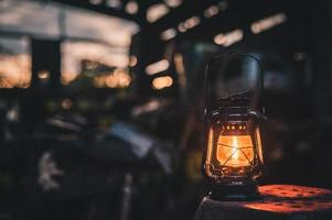 linterna vintage en la noche