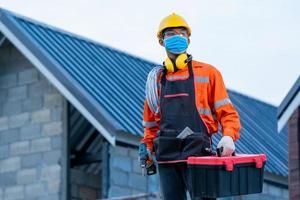 trabalhador da construção civil usando ppe