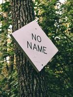 No name signange on tree