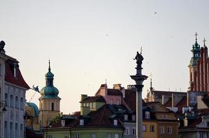 paisaje urbano de varsovia al atardecer