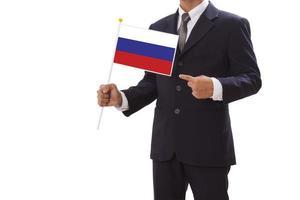 segurando a bandeira da rússia
