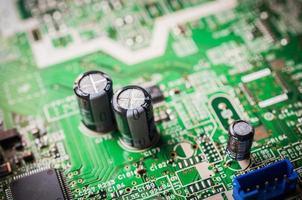capacidad en placa electrónica foto
