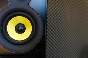 Music studio Speaker/Loudspeaker photo