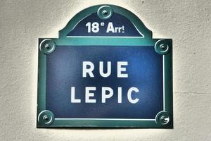 parijs -plaque de rue - rue lepic - montmartre
