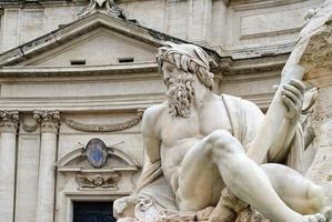 estatua de neptuno, roma, italia