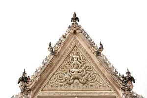 Arco antiguo templo tailandés en Petchaburi, Tailandia