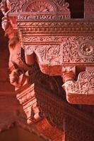 Agra fort: red sandstone decoration