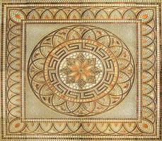 hermoso azulejo antiguo en el piso foto