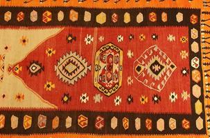 alfombra turca tradicional hecha a mano foto