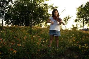 el violinista de primavera foto