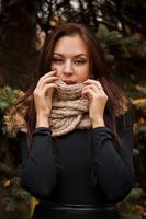 mujer en la bufanda caliente foto