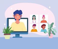 hombre en la pantalla de la computadora con personas en una reunión en línea