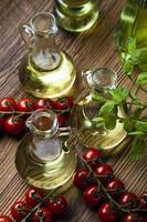 aceite de oliva fresco foto