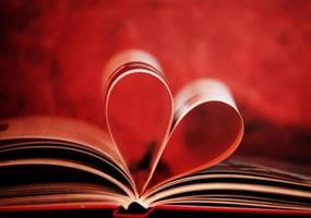 libro en forma de corazón