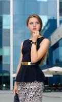 mujer de negocios, en, ropa formal foto