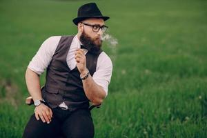 bearded man vaping photo