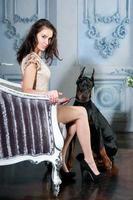 niña con perro foto